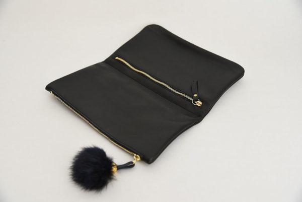 ouvrage-atelier-saint-loup-pochette-pliee-cuir-noir-3