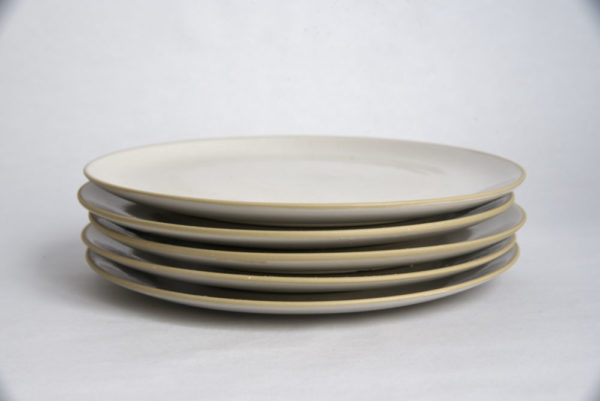 ouvrage-digoin-assiettes-a-dessert-blanches-1