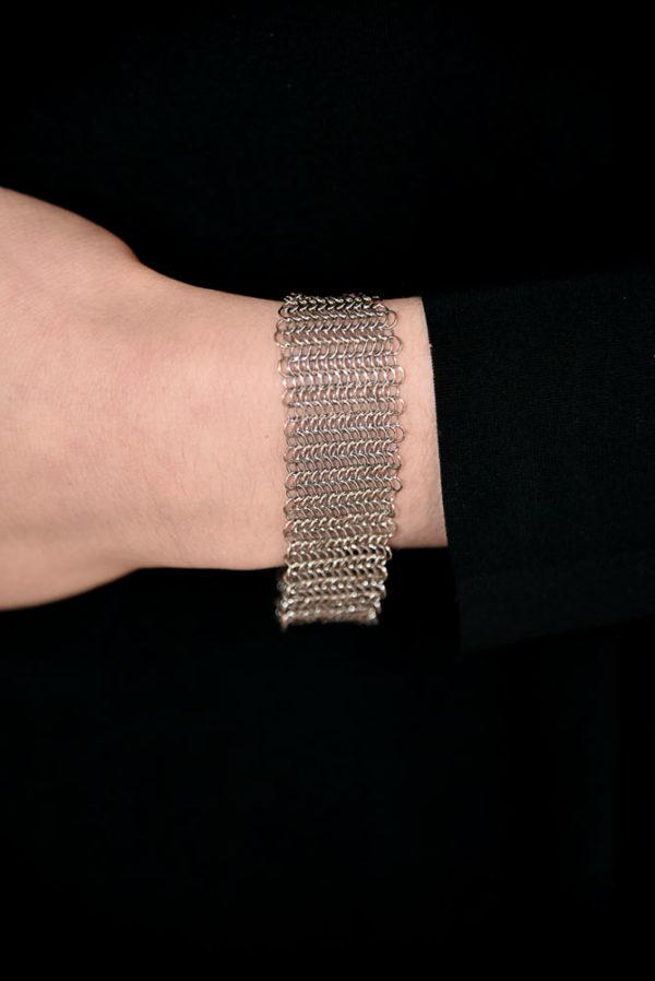 bijou-pascale-lion-paris-bracelet-acier-ouvrage-agnes-b