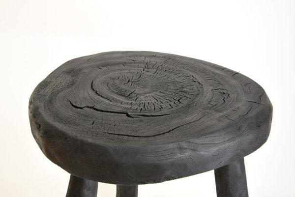 Tabouret bois brûlé Krier Sébastien galerie boutique ouvrage aix en provence