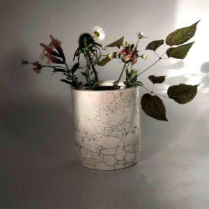 Galerie boutique ouvrage aix en provence Cecile daladier vase pique fleurs cylindre